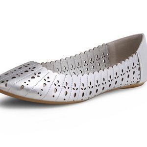 Silver Tulip Wanted ballet flats